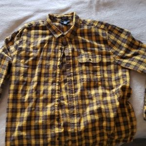 Yellow volcom flannel xl